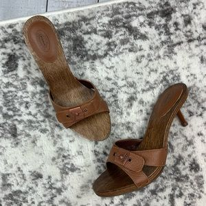 Dr. Scholl's Link wood and leather heeled sandals